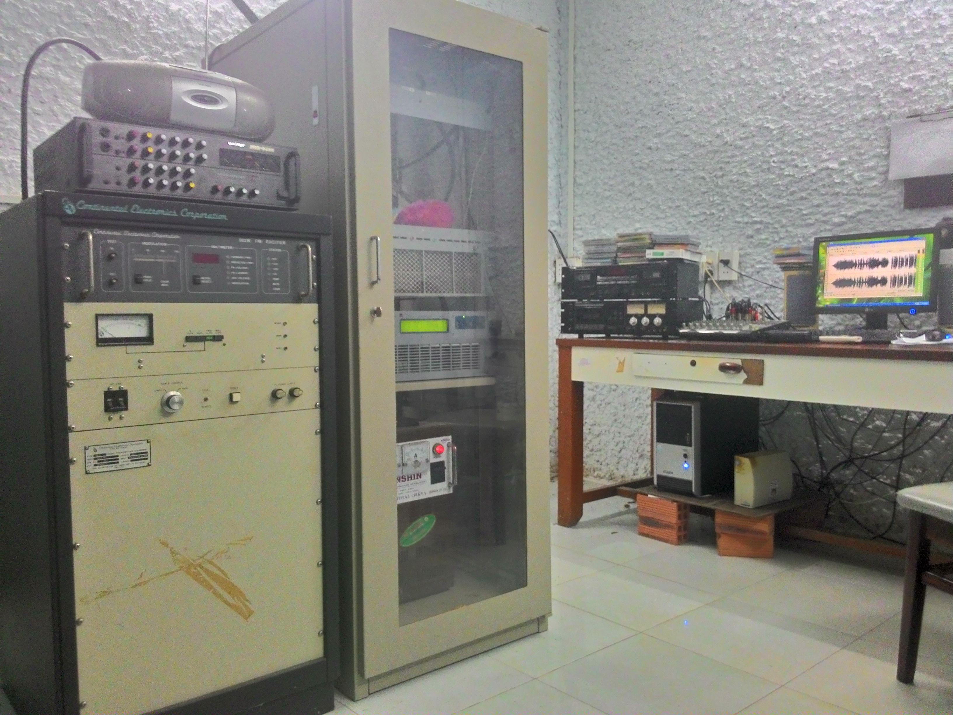 Tổng quát về các thiết bị FM và hoạt động của đài truyền thanh Huyện