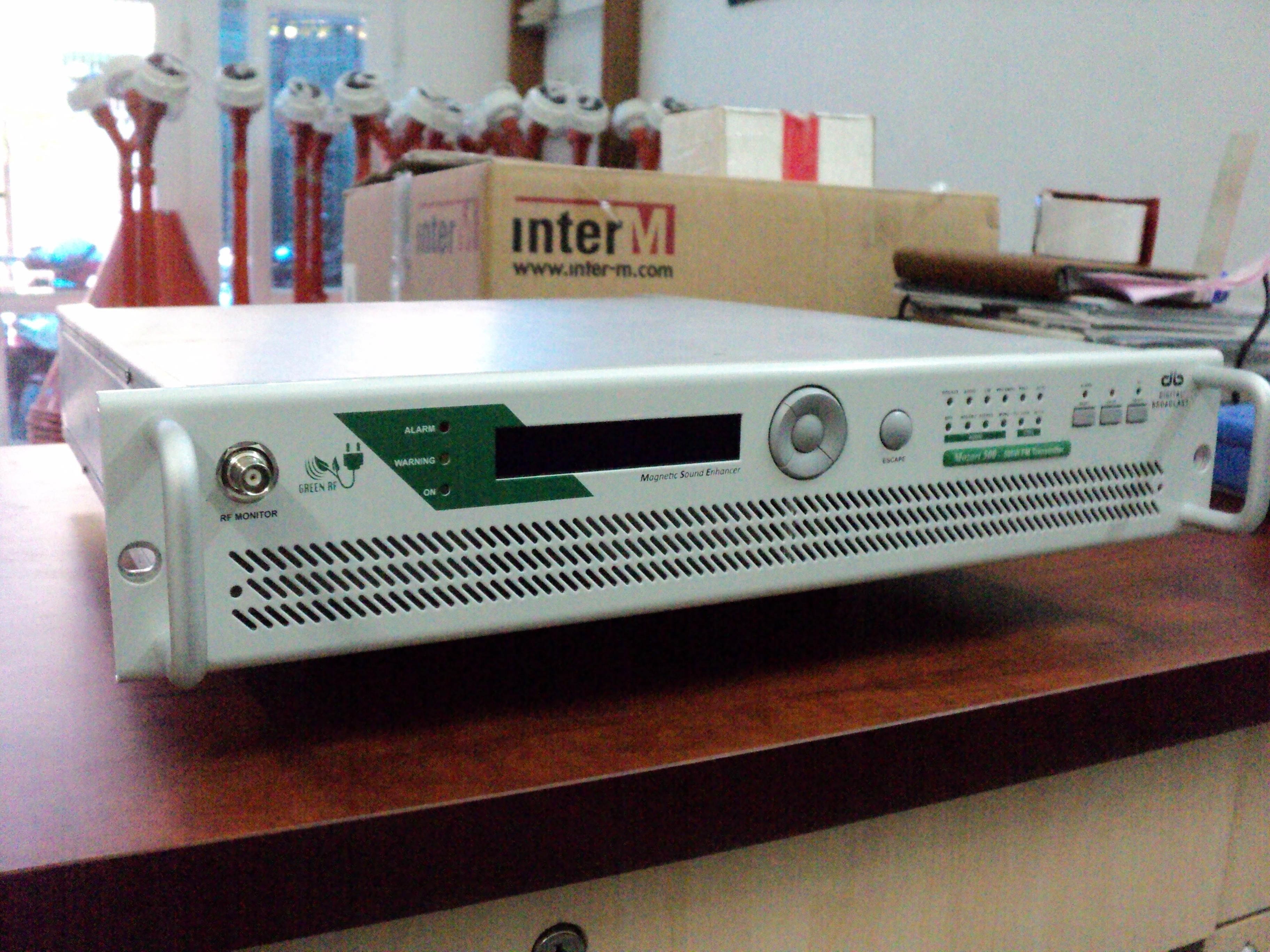 Máy phát sóng FM 500W nào hiện nay tốt và bền nhất.