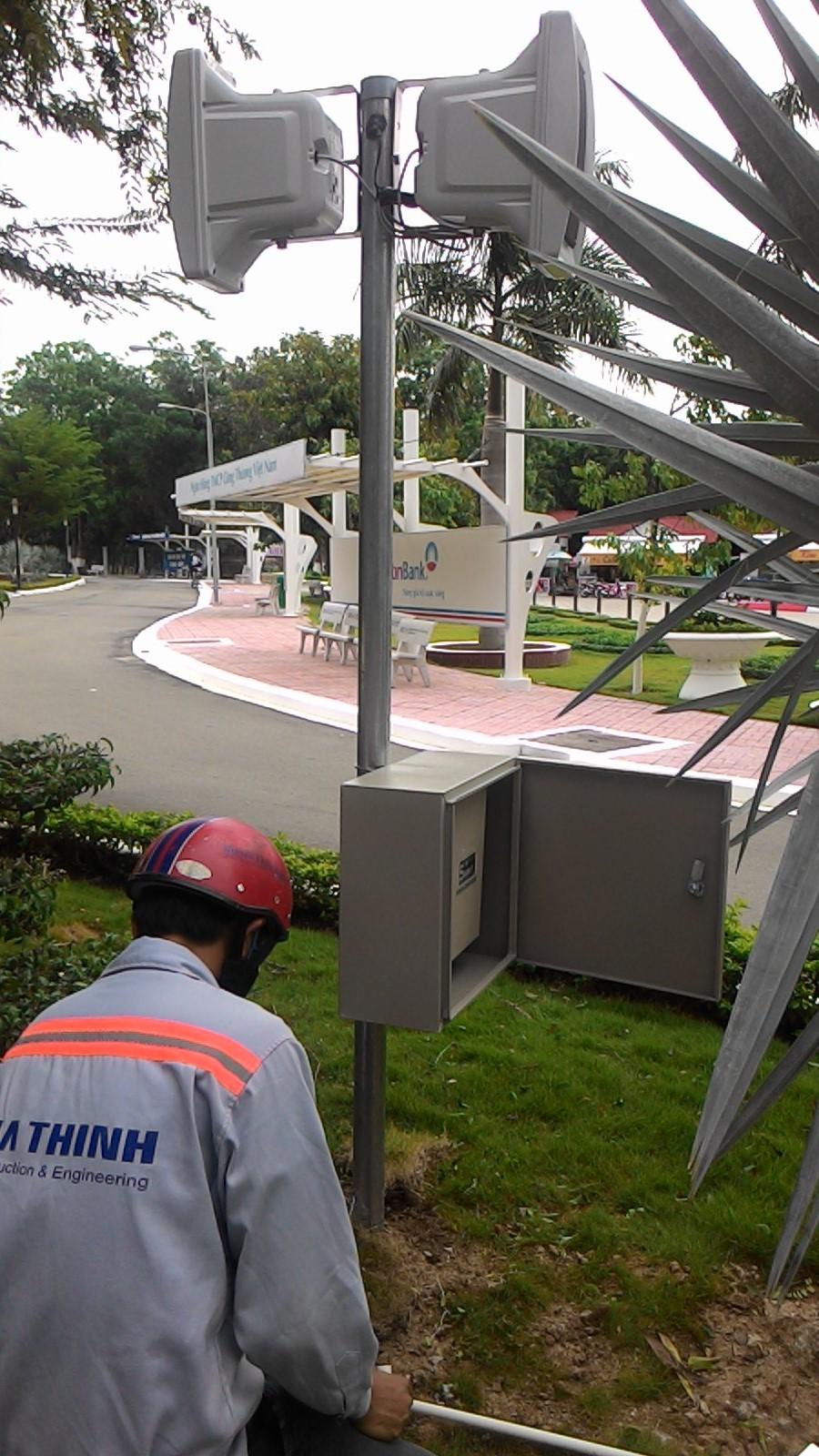 Lắp đặt hệ thống phát nhạc nền cho Khu du lịch Núi Bà Đen-Sử dụng sóng FM không dây.